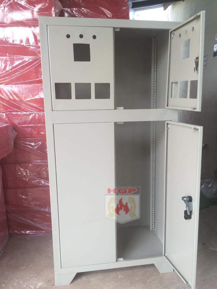 tủ chữa cháy màu trắng
